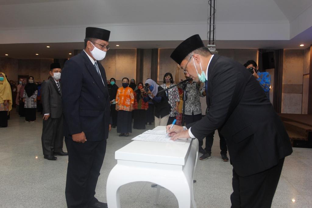 Gubernur Kep. Bangka Belitung Melantik Pimpinan BAZNAS Prov. Kep. Bangka Belitung Periode 2020 – 2025